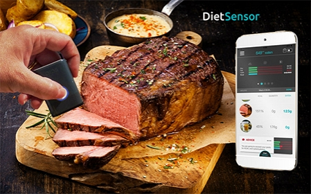 This tiny scanner can tell how many calories are in your food before you eat it